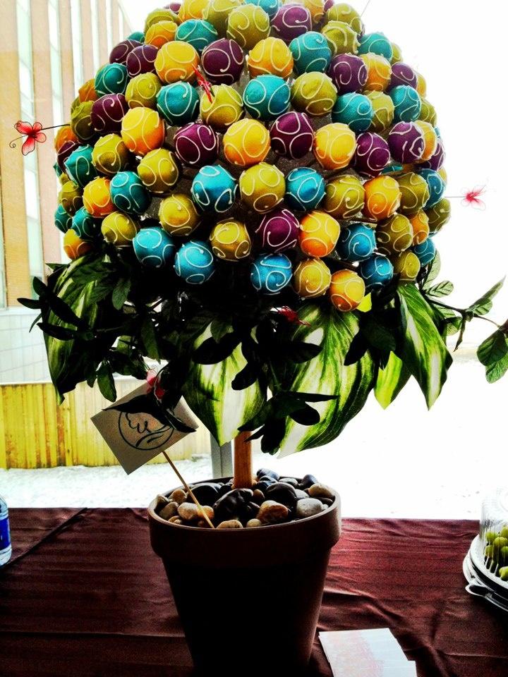Cake Pop Tree by C'est La V
