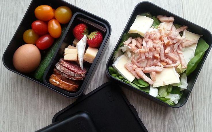 Kalkoen salade met brie, snel en makkelijk te maken koolhydraatarme lunch onderdeel van de gobento.nl koolhydraatarme weekmenu's.