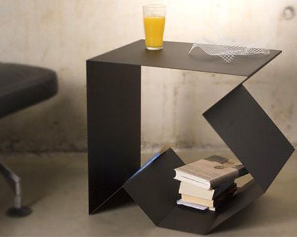 Fletcha - Side table by Rafael Morgan