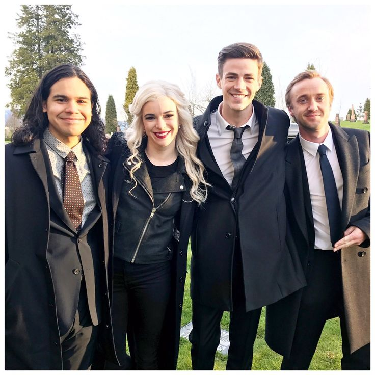 The Flash cast - Last days of shooting on season 3 | The ...
