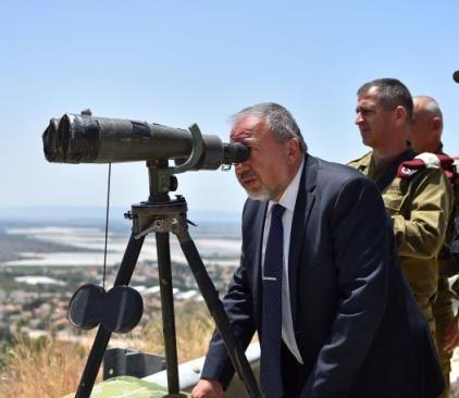 Defense Minister Liberman tours northern border Photo By: ARIEL HERMONI / DEFENSE MINISTRY