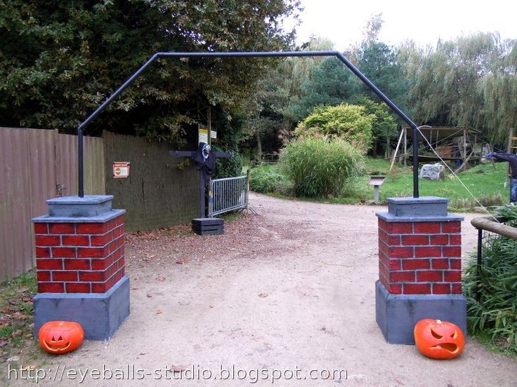 cemetery gate - Cemetery Halloween Decorations
