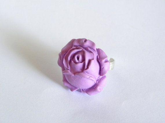 Anello regolabile con rosa grande in fimo di AlpegFactory su Etsy