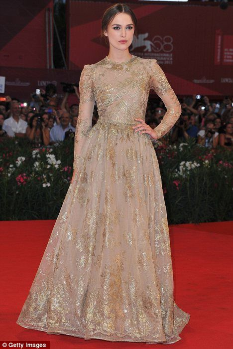 wow! Keira Knightley is wearing my fav Valentiono gown.