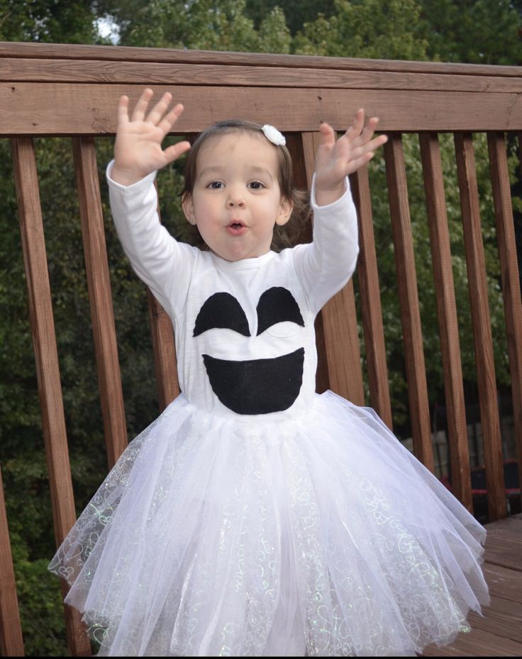 Quick and Easy Ghost Costume for Toddler Girl