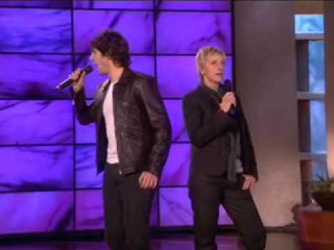 Ellen's Amazing Duet with Josh Groban