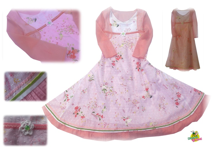 Ein Kleid für eine Prinzessin?...oder ein Blumenkind?...knöchellanges 2 Lagenkleid, 240cm Saumweite, aufwendig gearbeitet mit Samtbändern und einer Satin/Seiden Borte. Baumwollstoffe, Oberstoff bestickt und bedruckt, Unterkleid aus einem crashoptik Baumwollestoff...plus Chiffon Bolero (der hinten abgerundet länger geschnitten ist)   Kleid mit Reissverschluss....Länge kann von der 2. Lage nach Bedarf noch gekürzt werden.