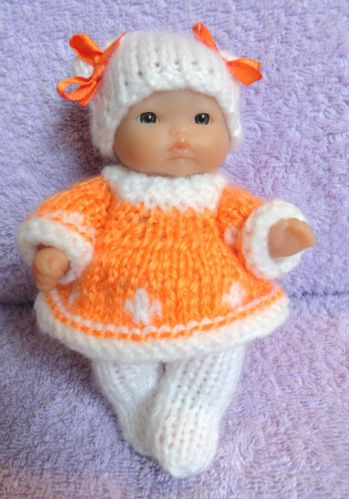 Hand knitted clothes for 5