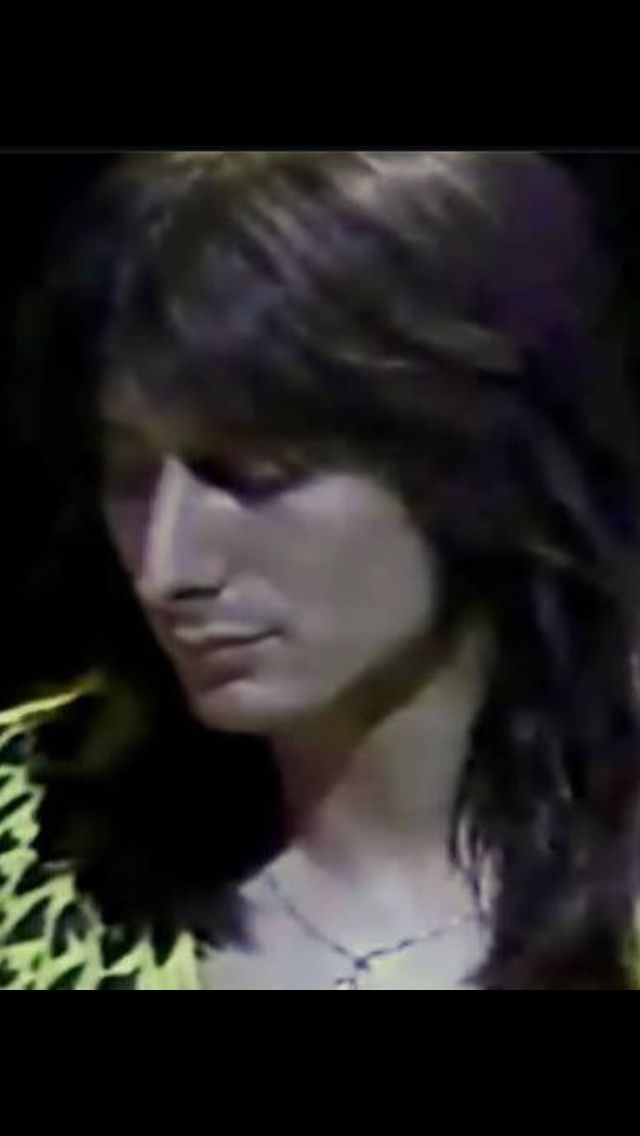 Ladies and gentlemen Steve Perry