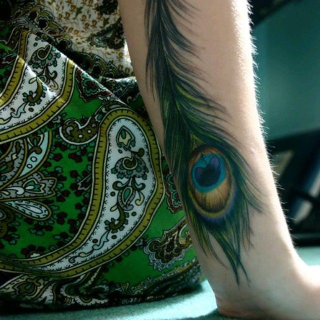 Top 150 Feather Tattoo Designs For Women and Men cool