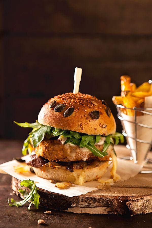 Burgers savoyards végétariens - Un hamburger fait maison, sans viande et hyper gourmand ! Homemade vegetarian burger #burger #vegetarian #hamburger
