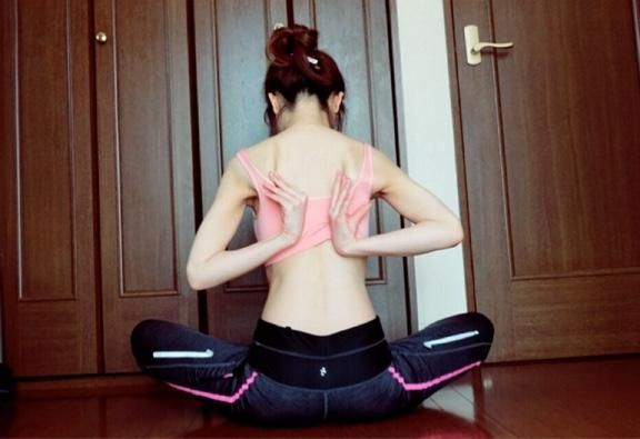 燃焼系ボディをつくりながらバストアップ効果も! 「肩甲骨はがし」で女性らしい体に♥︎ - Peachy(ピーチィ) - ライブドアニュース