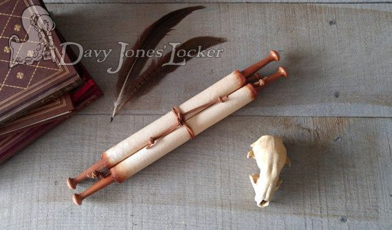 FREE SHIPPING - Scroll - Parchment paper - Oyé Oyé - Double hardwood rod -  Medieval