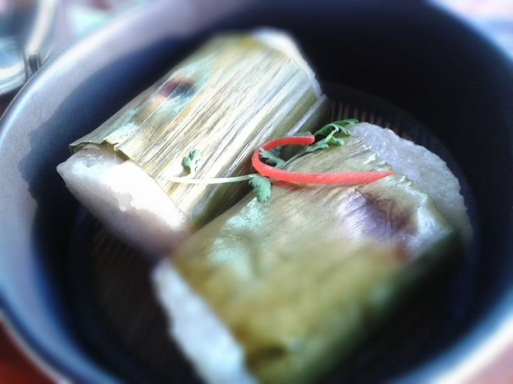 Glutinous rice baked in bamboo