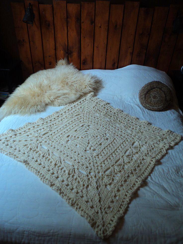 36 best images about crochet decoration plaids coussins for Decoration scandinave