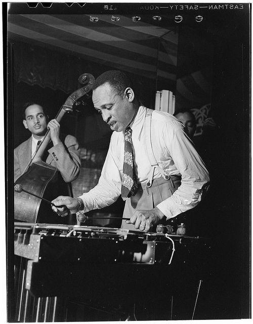 [Portrait of Lionel Hampton, Aquarium, New York, N.Y., ca. June 1946] (LOC) | Flickr: partage de photos!