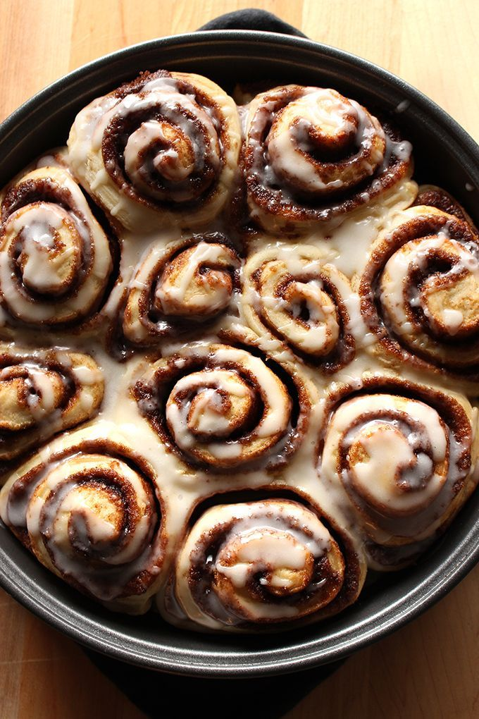 One word to describe these homemade vegan cinnamon rolls: A-mazing!