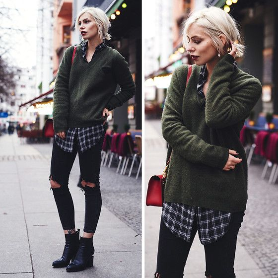 Get this look: http://lb.nu/look/7948612  More looks by Masha Sedgwick: http://lb.nu/masha_sedgwick  Items in this look:  Alexander Wang Boots, Stine Goya Pullover   #casual #edgy #grunge