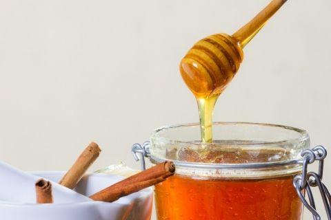 Tab dig med honning og kanel