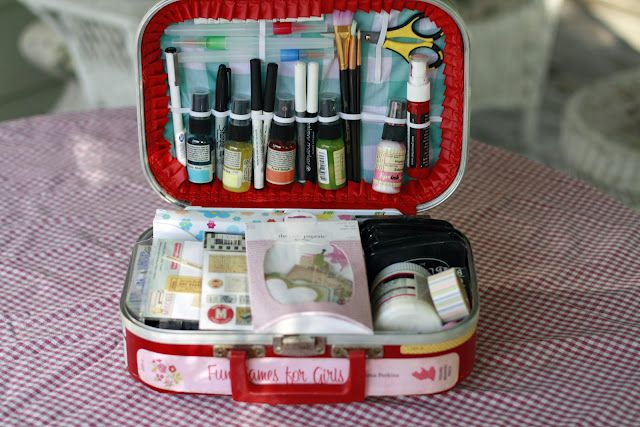 traveling art journal case - I made a watercolor box with an Altoids, here's something else to try!