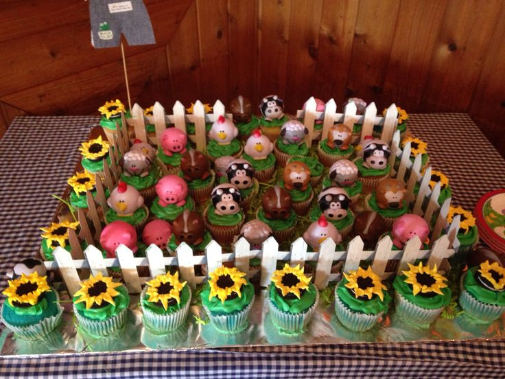 farm animal baby shower theme barnyard baby shower
