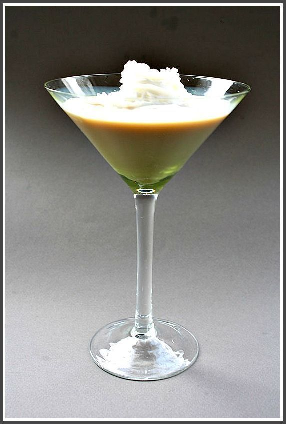 Pumpkin Pie Martini, A great drink for Thanksgiving.