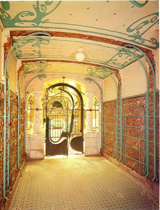 Castel Beranger, entrance hall, 1899 via Lori Paluska via Carina Case