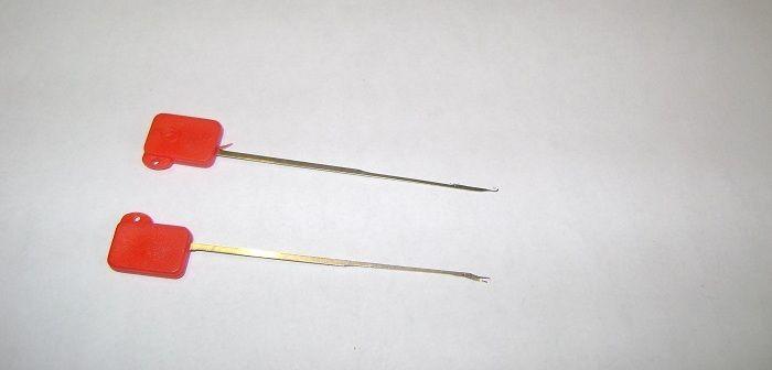 Za pomocą igły do ledcoru bez problemu zawiążemy leadcor o dowolnej długości. Z pomocą igły możemy tworzyć jakie tylko chcemy zestawy z leadcorem. http://karpiarstwo.pl/igla-do-leadcoru/