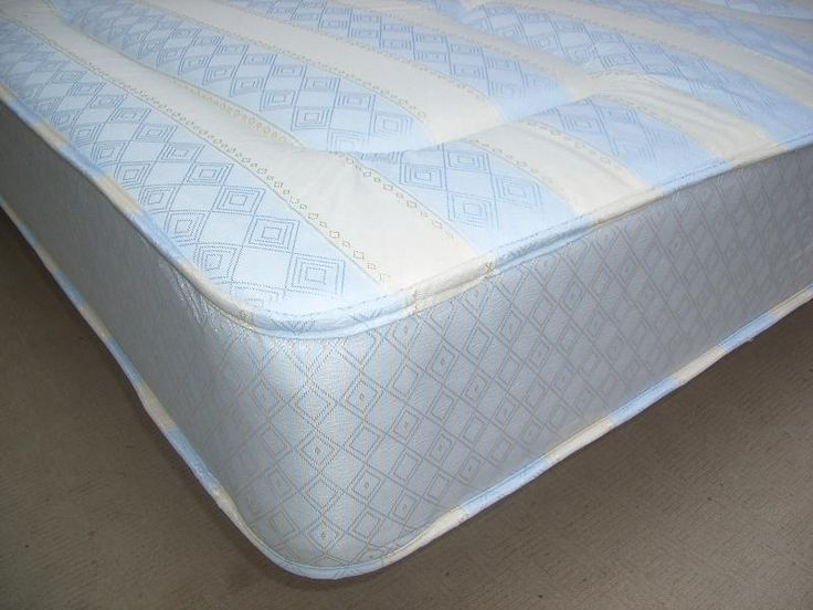 """3ft X 5ft3 Shorty Mattress - £149.95 - A deep, substantial and well padded mattress which is popular for customers who have short bunks who are not satisfied with the usual poor quality thin budget mattresses supplied with short bunks by the vast majority of bed retailers (sad but true).  Approx 8.5"""" (22cm) deep. A great medium tension/feel mattress suitable for any type of base.   A great alternative other lower quality mattresses out there on the market and this one comes with a stylish…"""