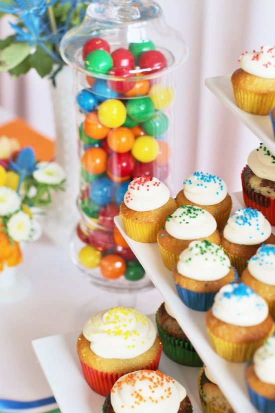 primary-color-birthday-party desserts