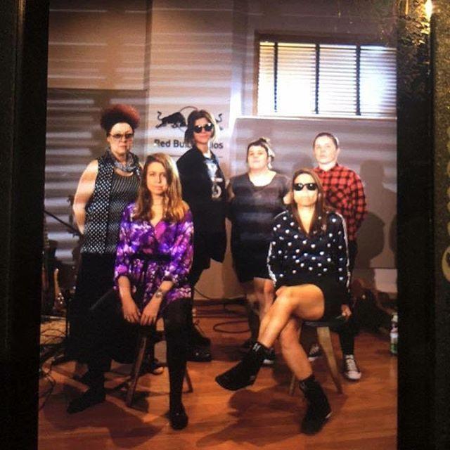 Esta noite rola um encontro histórico de duas bandas superfeministas em São Paulo: as veteranas As Mercenárias dividem o palco com o Rakta grupo brasileiro que está empolgando plateias mundo afora. O show será no festival #RBMASP e a editora @driferreira vai mostrar tudo no Stories. Acompanhe! #AsMercenarias #Rakta #MarieClaireIndica #MarieClaireCultura #RBMASP  via MARIE CLAIRE BRASIL MAGAZINE OFFICIAL INSTAGRAM - Celebrity  Fashion  Haute Couture  Advertising  Culture  Beauty  Editorial…