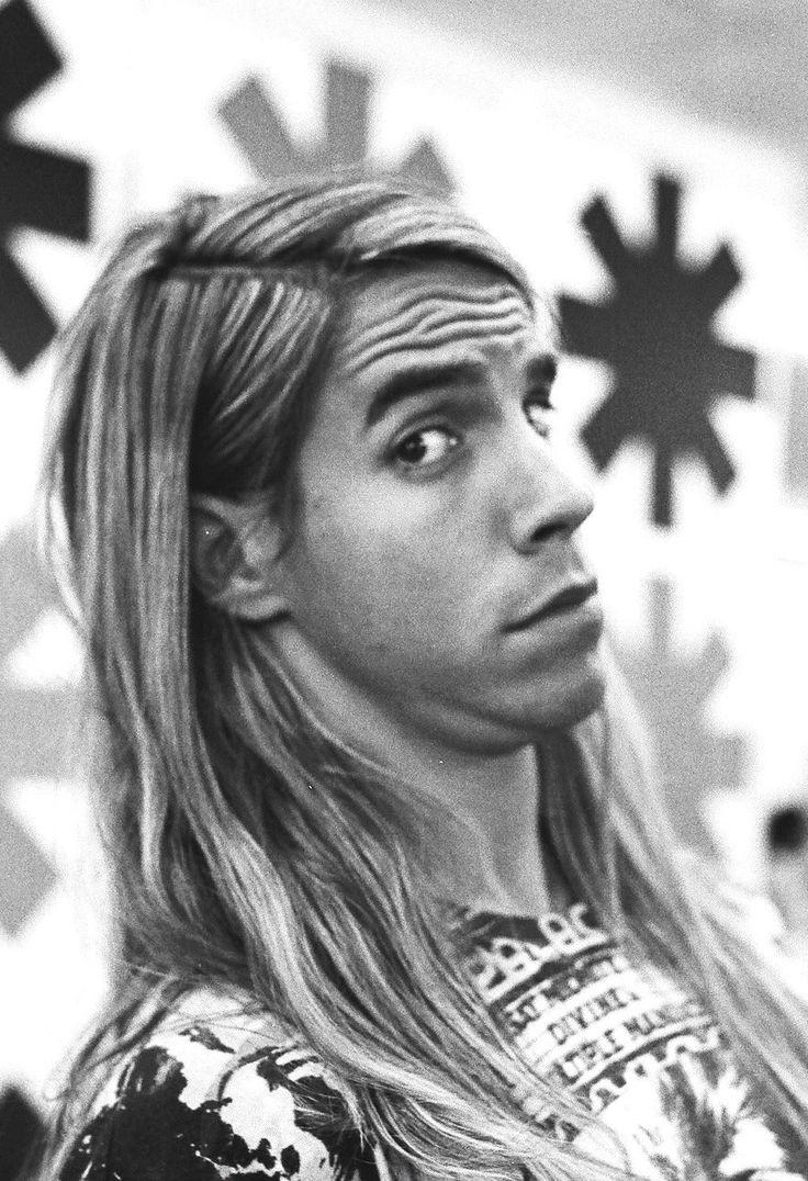 Anthony Kiedis, 1989 ( Red Hot Chili Peppers) youtubemusicsucks.com #rhcp…