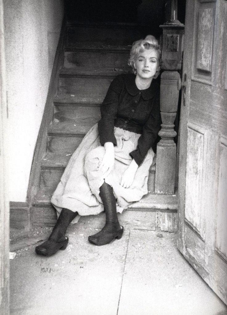 lesbeehive: Marilyn Monroe by Milton Greene, May 1954