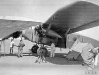 Libia La squadra della crociera aerea coloniale, capeggiata da Italo Balbo, si prepara a partire nel deserto libico