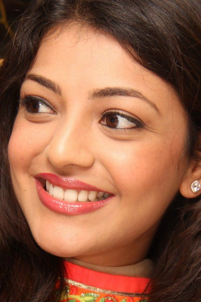 Pin By Bhshanaveni Nagesh On Kajal Agarwal Most Beautiful Faces Most Beautiful Indian Actress Beautiful Actresses