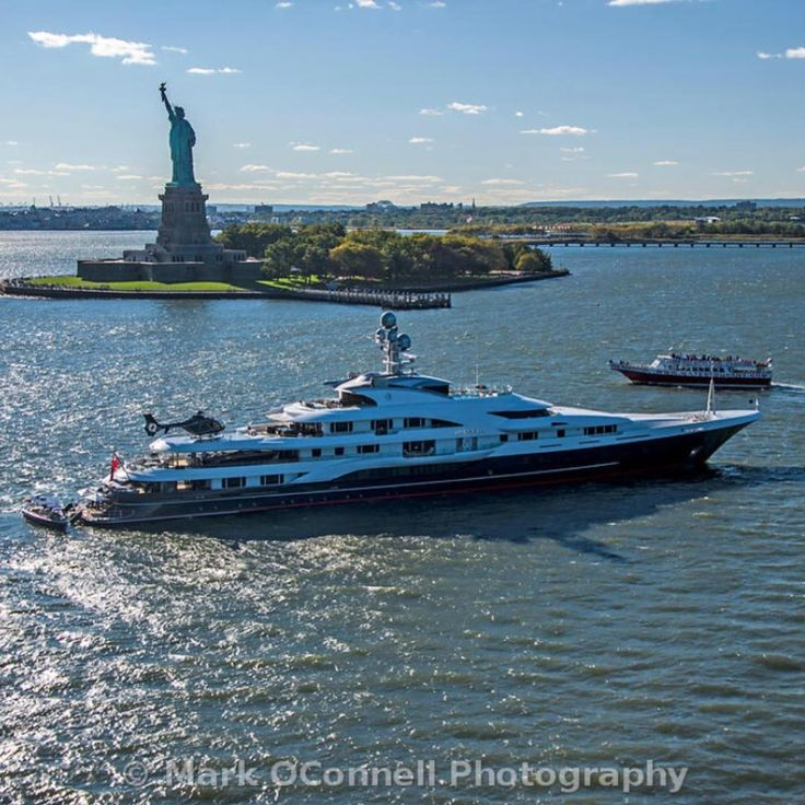 Attessa IV In NYC By Mark OConell Helicopter Yacht Megayacht
