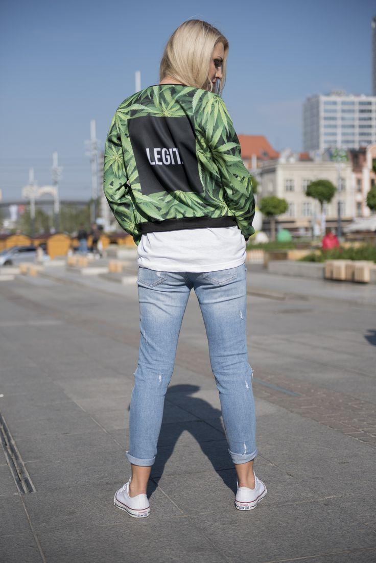 #bomberjacket  #jacket #green #greenjacket #girl #city #fashion #best