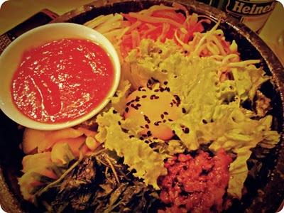 Nasi campur Korea :D (Bimimbab): Hummingbird, Bandung