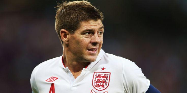 Başarılarla dolu bir kariyer sahibi olan ünlü futbolcu Steven Gerrard futbolu bıraktığını açıkladı. Son iki sezonda Amerika'da Los Angeles forması giyen 36 yaşındaki orta saha oyuncusu futbol beni bırakmadan ben futbolu bırakıyorum dedi.