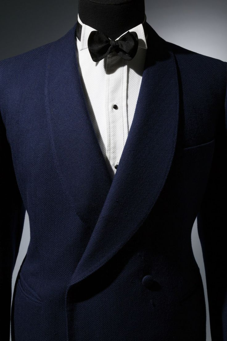 Elegance in an Age of Crisis - Blue Knize dinner jacket