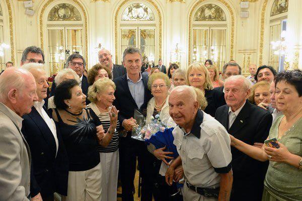 Macri recibió a sobrevivientes del Holocausto - http://diariojudio.com/noticias/macri-recibio-a-sobrevivientes-del-holocausto/151251/
