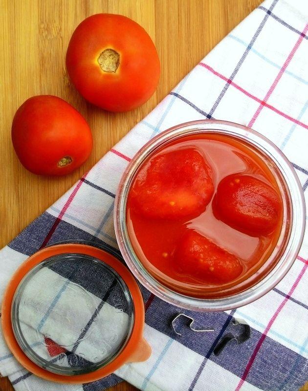 Como fazer tomates pelados em casa