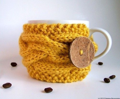 i'm making this.: Coffee Sleeve, Knits Cups, Gifts Ideas, Old Sweaters, Coffee Cups Cozy, Cozy Memorial, Mugs Cozy, Coffee Mugs, Coffee Cozy