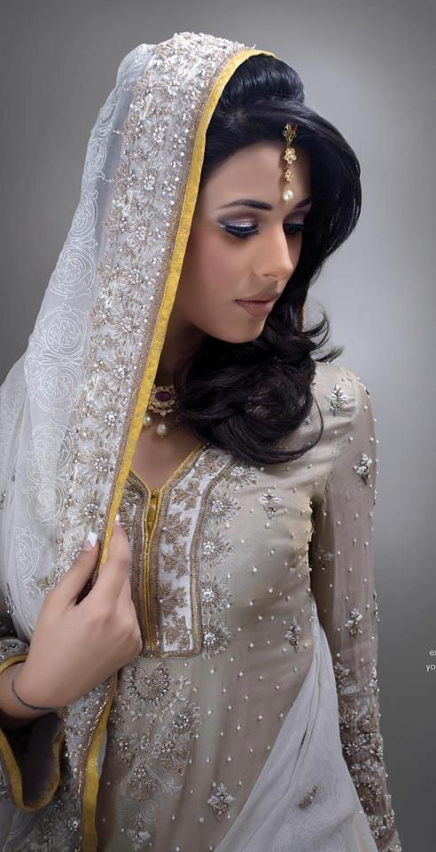 Easy Hairstyle For Salwar Suit : 156 best salwar kameez images on pinterest