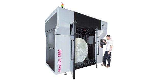 L'imprimante 3D Massivit 1800 est capable de fabriquer des objets de 180 centimètres de haut