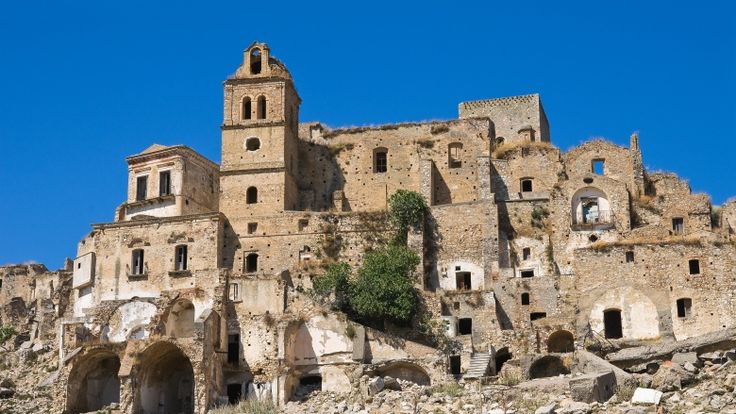 There are some places where seemingly ghosts are the only inhabitants. Craco, Italy