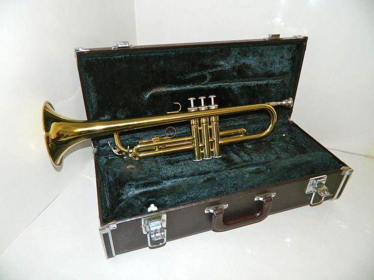 Yamaha Trumpet Model YTR 2320 w/ Yamaha Hard Sided Case  #Yamaha
