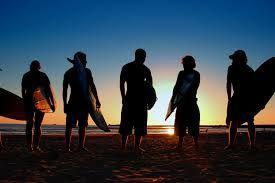 Pronti per cavalcare le onde al tramonto!!!!