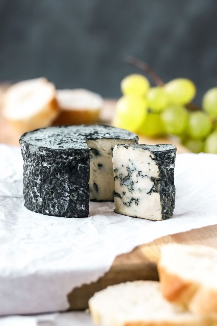"My Dream has come true! : How to make ""Vegan Aged Blue Cheese"""