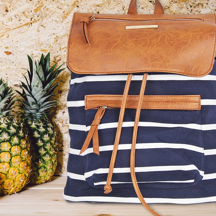 Marine stripes are ideal for a chic navy style! ⚓  #backpack #navy #style #blue #stripes #elegant #achilleas_accessories